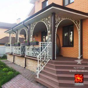 кованые арки большой веранды в Московской области
