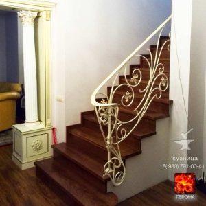 кованая лестница на 2 этаж