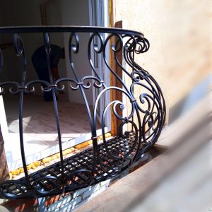французский кованый балкон Заокский