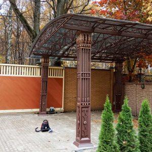 большой кованый навес со столбами Москва